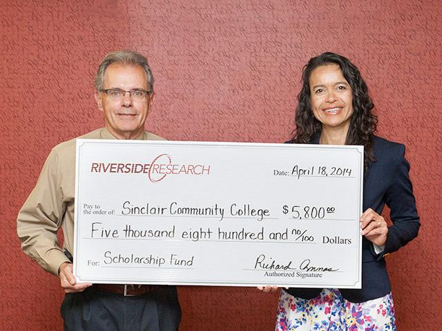 Riverside Research Presents STEM Scholarships to Sinclair Community College